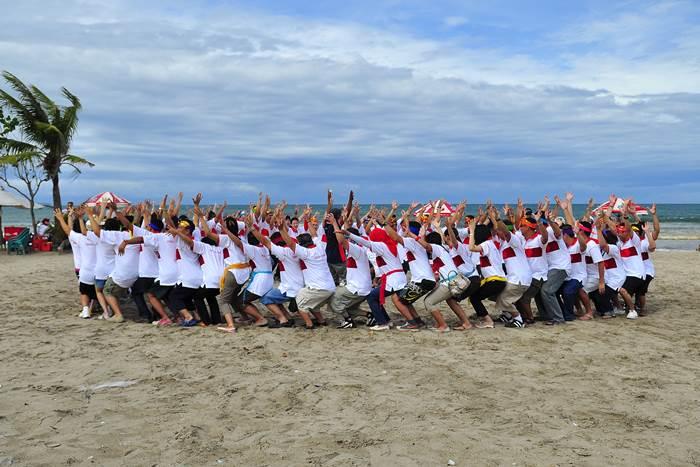 Lokasi-atau-Tempat-Outbound-Team-Building-di-Pantai-Kuta-Bali-New-2015.jpg